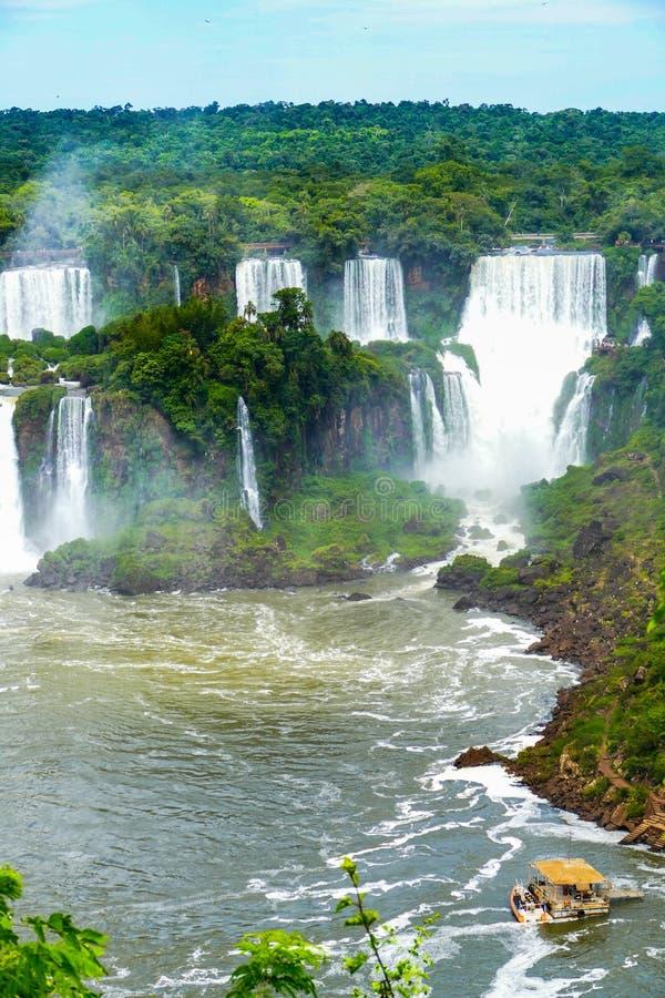 从阿根廷的伊瓜苏瀑布视图 库存图片