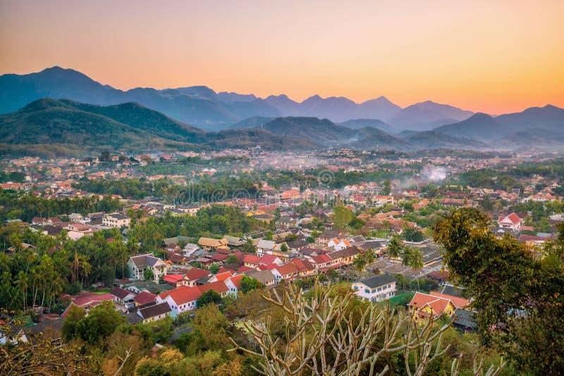 从顶视图的琅勃拉邦地平线 免版税库存照片