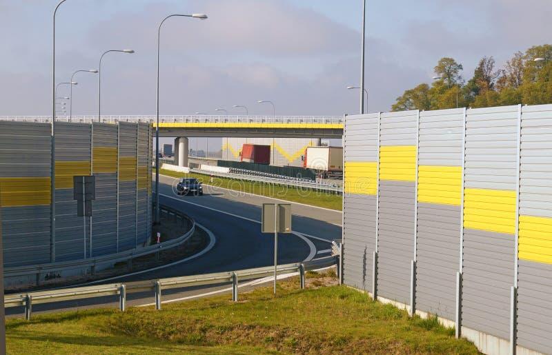 从高速公路的出口到其余旅客 库存照片