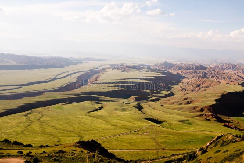 从麦通行证的顶端看法在吉尔吉斯斯坦 库存照片
