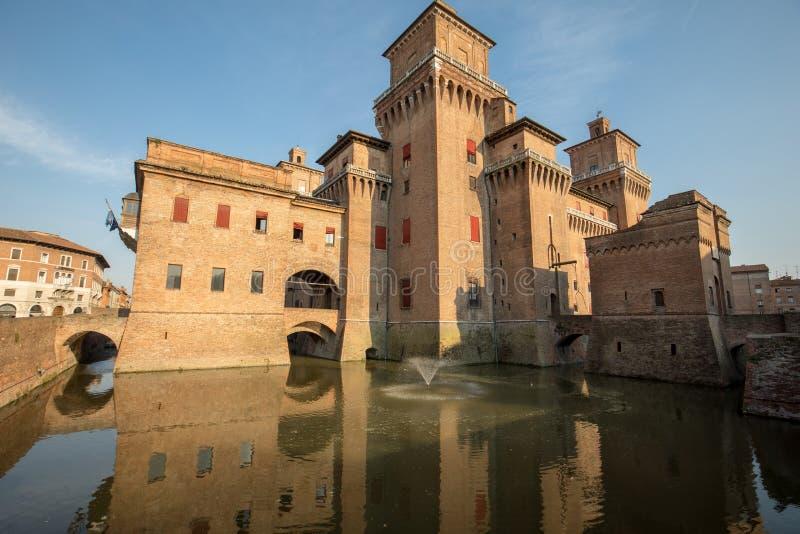 从14世纪防御Estense,四耸立的堡垒,费拉拉,伊米莉亚罗马甘,意大利 库存图片