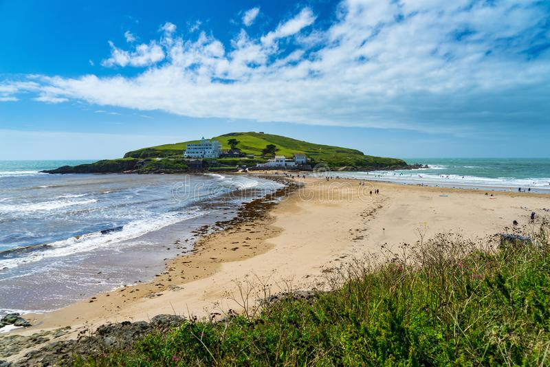 从Bigbury在海的自治都市海岛 库存照片