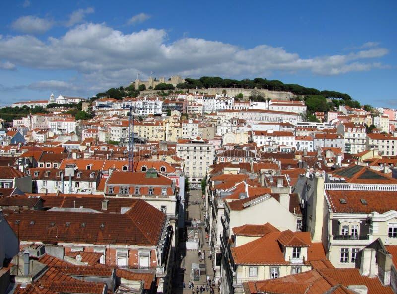 从elevador圣诞老人de Justa都市风景,里斯本,葡萄牙的全景 免版税图库摄影