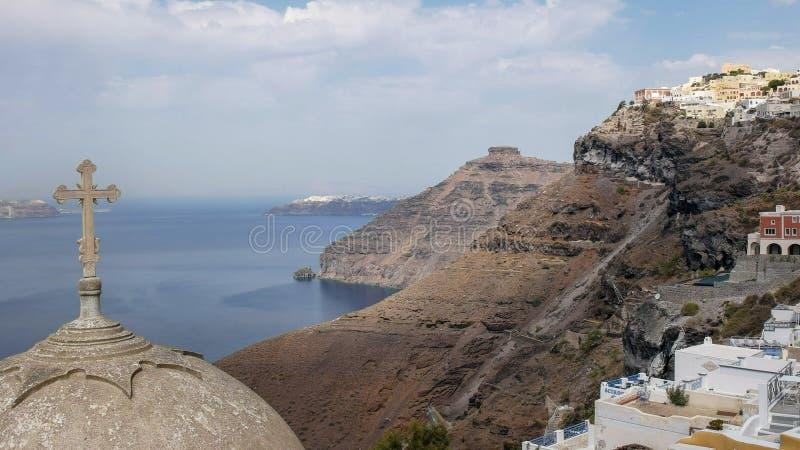 从fira的早晨视图往oia,santorini镇  库存图片