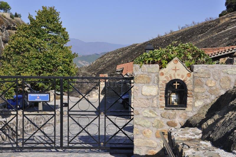 从Kalambaka迈泰奥拉的伟大的飞星修道院庭院在希腊 库存照片