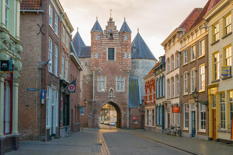从Lievevrouwenstraat,贝亨奥普佐姆的监狱门 库存照片