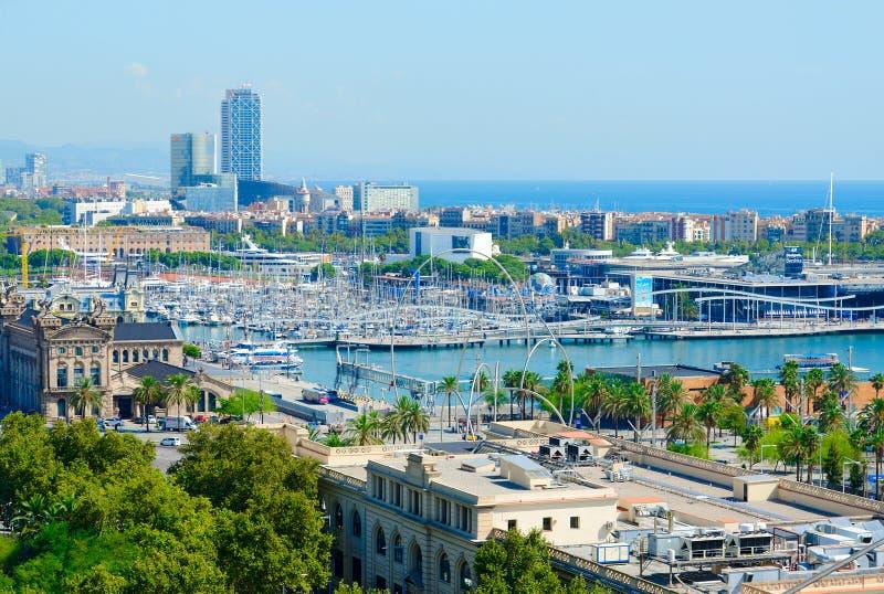 从Montjuic山的美丽的景色向朗达Litoral,巴塞罗那,西班牙港  库存图片