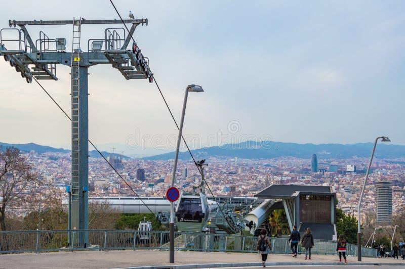 从Montjuic山,加泰罗尼亚,西班牙的巴塞罗那市 免版税库存照片