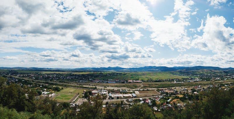 从Neamt城堡, Targu Neamt,罗马尼亚的看法 库存照片