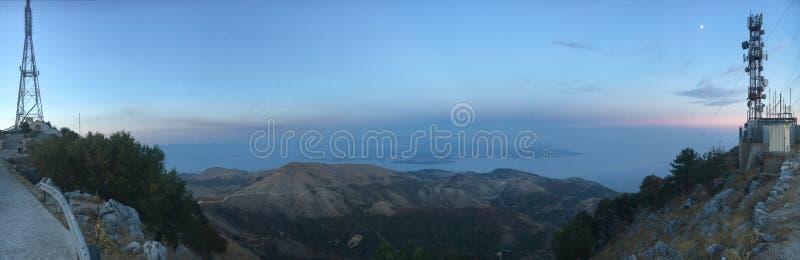 从Pantekrator,黄昏的科孚岛的看法 库存图片