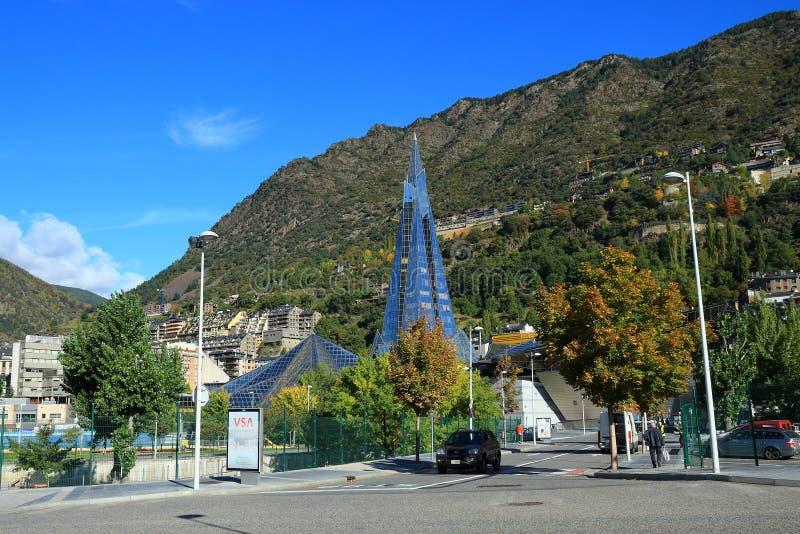 从Parc Infantil Prat del Roure,安道尔城,安道尔公国的Caldea 免版税库存图片