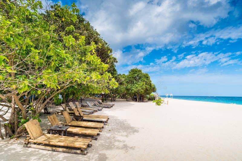 从Puka海滩的热带海滩背景在博拉凯海岛 库存照片