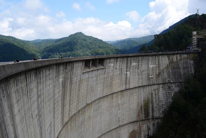 从vidraru水坝的路 库存图片