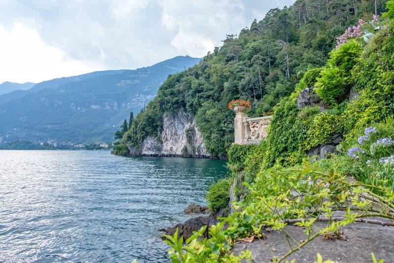 从Villa del Balbianello景色的科莫湖 免版税库存图片