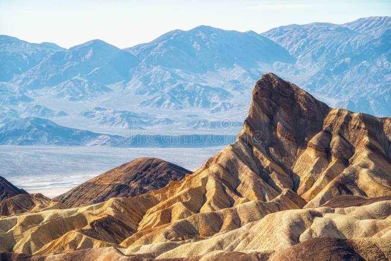 从Zabriskie的看法指出在金黄峡谷高尔半岛谷到男子气概的烽火台,死亡谷,加利福尼亚 免版税库存图片