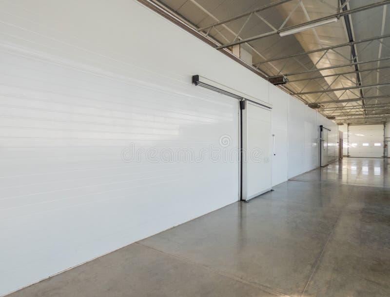 仓库冷冻机在工厂 免版税库存照片