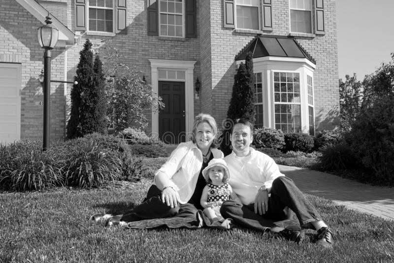 他们系列前的家 免版税库存照片
