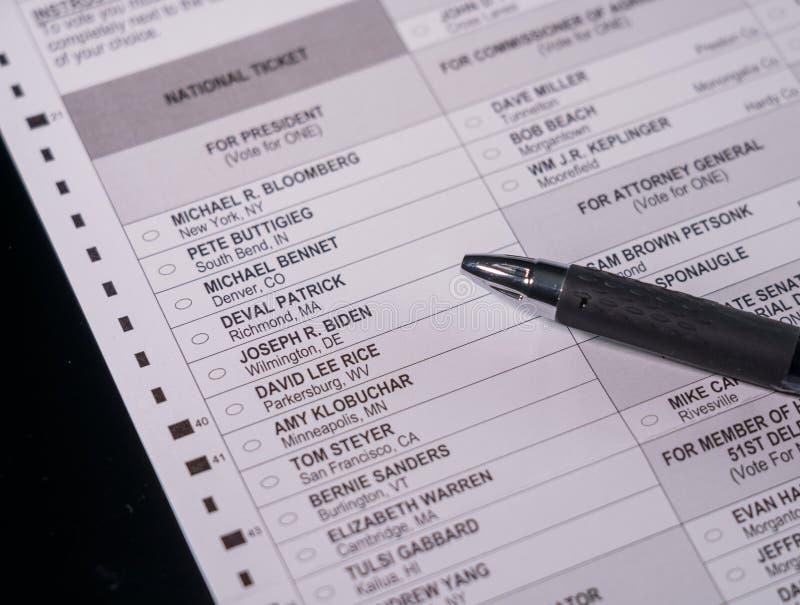 以乔·拜登为焦点的民主党缺席投票表 免版税库存照片