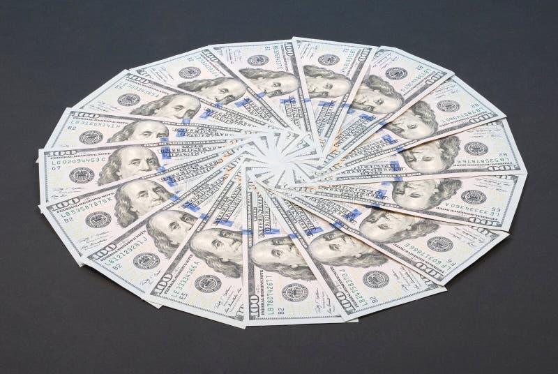 以圈子的形式金钱 免版税库存图片