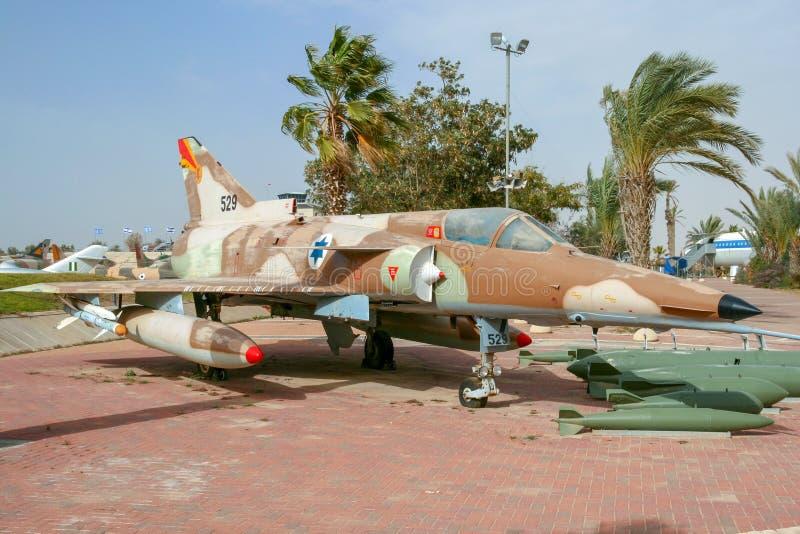 以色列人空军队响铃达萨尔海市蜃楼Kfir喷气式歼击机飞机 库存图片
