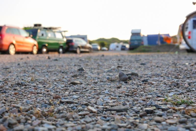 以露营地为基础的特写镜头或在荷兰的沙丘的野营地 库存图片