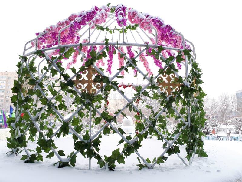 以yurt的形式金属结构 库存图片