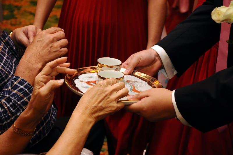 仪式中国茶婚礼 免版税库存图片