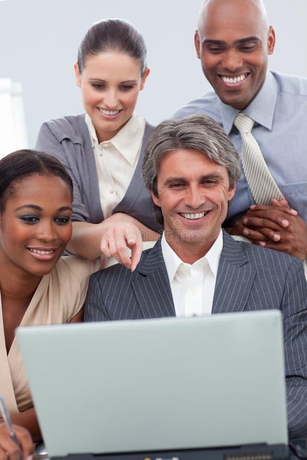 企业分集种族显示的小组 免版税库存照片