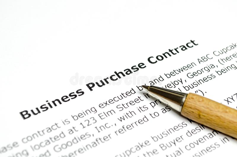 企业同木笔的购买契约 库存图片