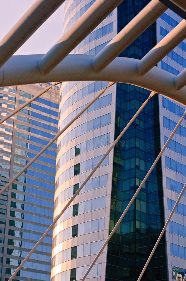 企业大厦门面在Sa刺路的有日落的 图库摄影