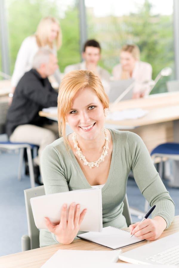 企业女实业家新前面的学员 免版税库存照片