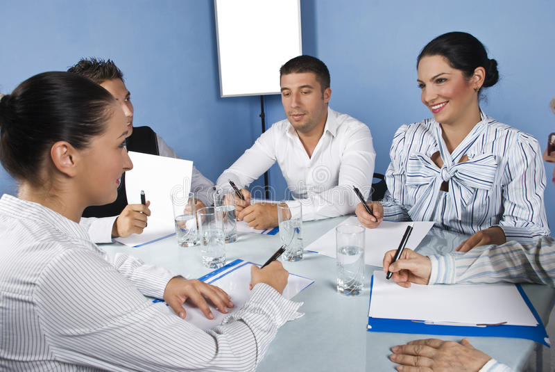 企业有朋友的乐趣会议小组 库存照片