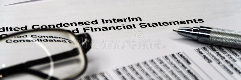 企业构成 财务分析-收入报告平衡 库存照片