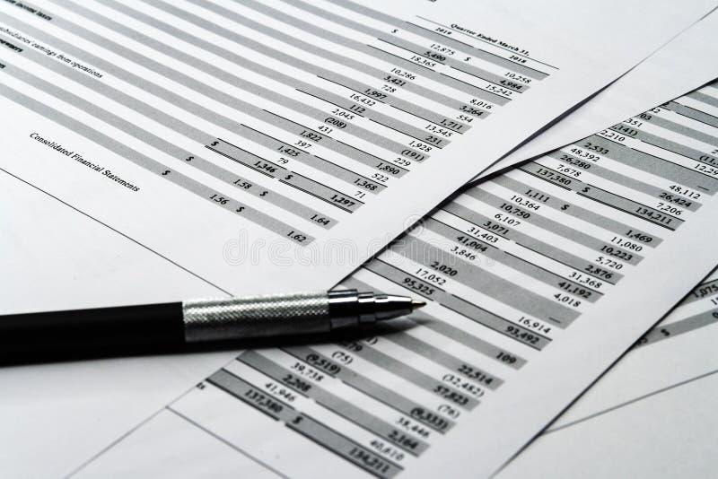 企业构成 财务分析-收入报告,经营计划 库存图片