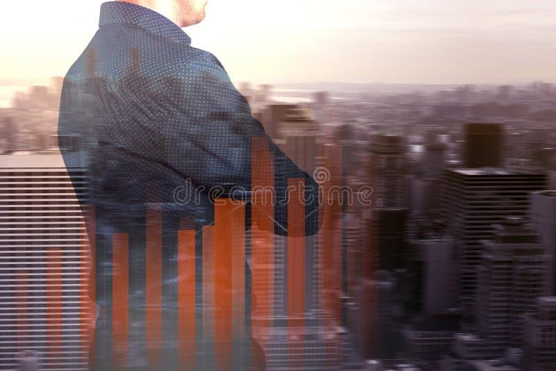 企业概念公司` s成长和增量统计 一位成功的领导 两次曝光 图库摄影