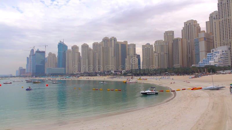 企业海湾全景,迪拜的市中心 免版税图库摄影