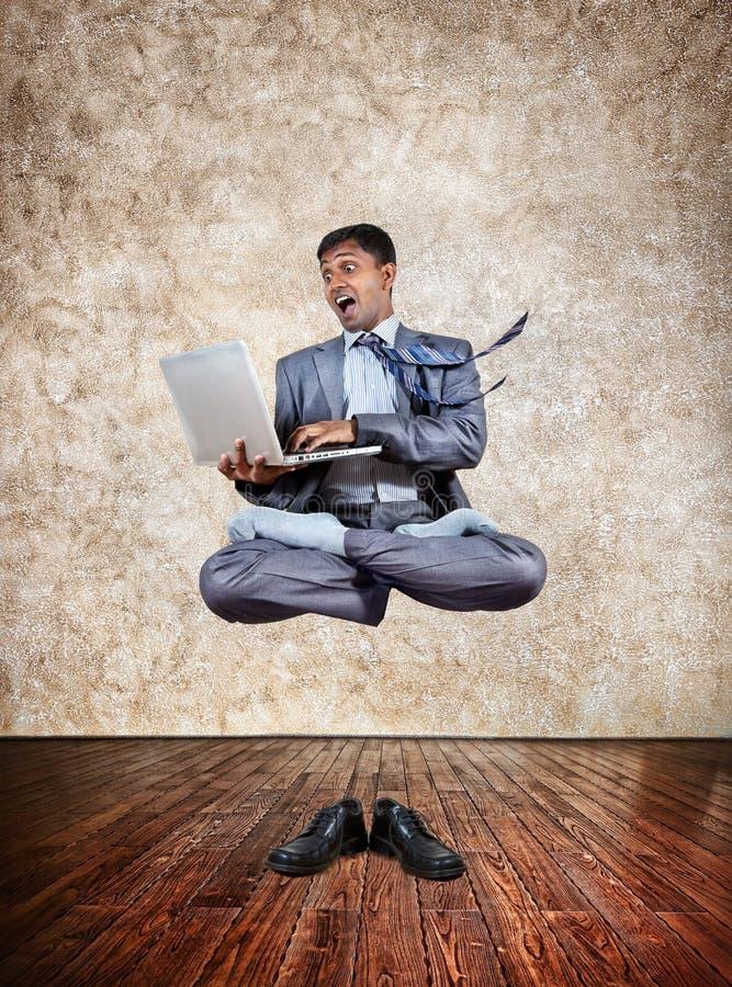 企业瑜伽升空 库存照片