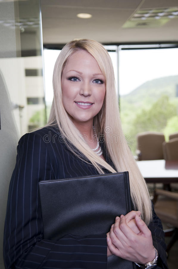 企业确信的妇女年轻人 库存照片