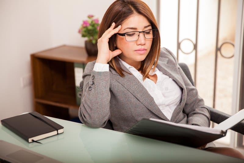 企业繁忙的妇女工作 免版税库存照片