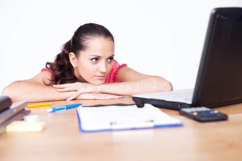 企业纵向轻松的妇女年轻人 免版税图库摄影