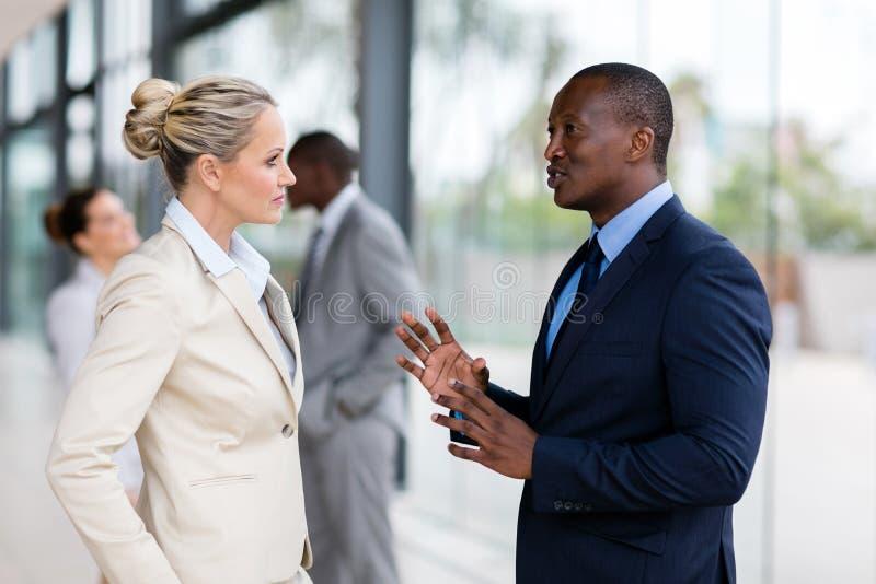 企业聊天的人员 库存照片