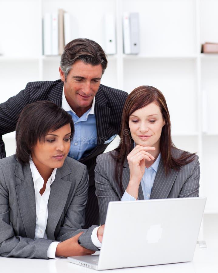 企业计算机合作伙伴工作 库存图片