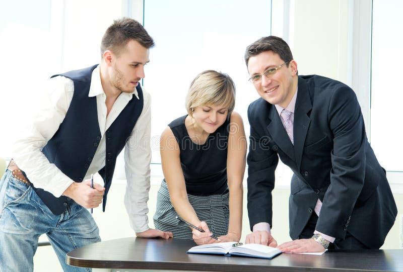 企业论述纵向小组 免版税库存照片