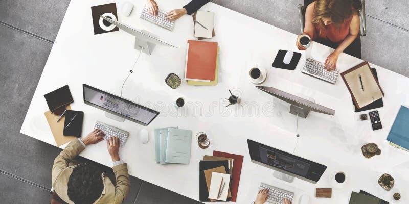 Download 企业队会议连接数字技术概念 库存照片. 图片 包括有 会议室, 论述, 生意人, 全球, 商业, 营销, 种族 - 66700246