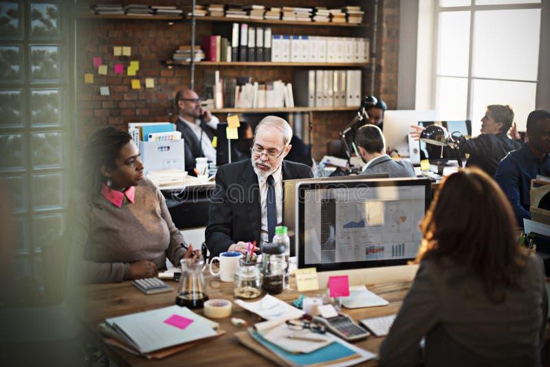 企业队讨论数据营销图概念 免版税库存照片