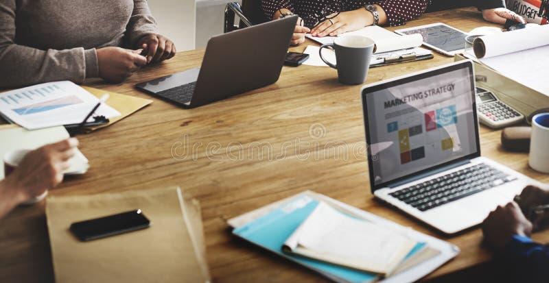 企业队运作的办公室工作者概念 免版税库存图片