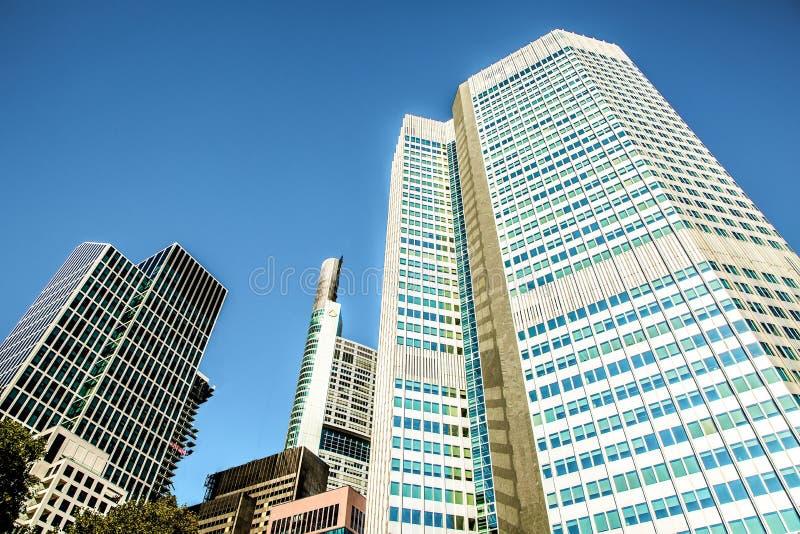 企业零件的现代美丽的新的摩天大楼 免版税库存图片