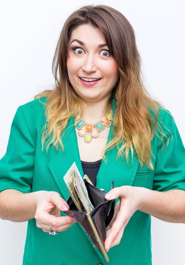 企业财务挽救银行业务和人概念 妇女手与钱包和金钱特写镜头  库存图片