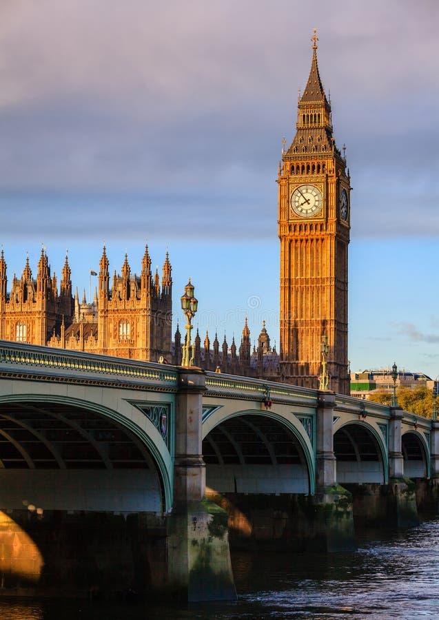 伊丽莎白塔大本钟威斯敏斯特宫伦敦英国 库存照片