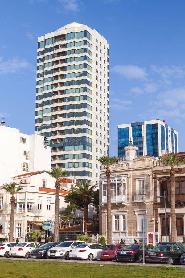 伊兹密尔,土耳其,垂直的都市风景 免版税库存图片